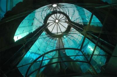 Интересные аквариумы со всего мира - aqua_dom_3.jpg