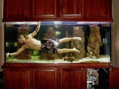 Интересные аквариумы со всего мира - x_e1a6631c.jpg